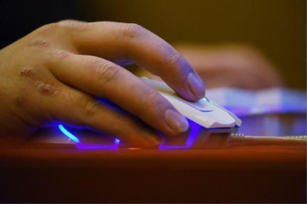 China-internet-addicts-Li-Ao-afp-1508.jpg